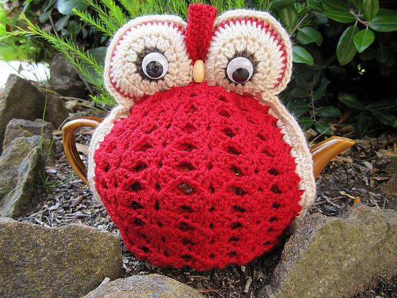 Owl Tea Cosy - Red - made to order